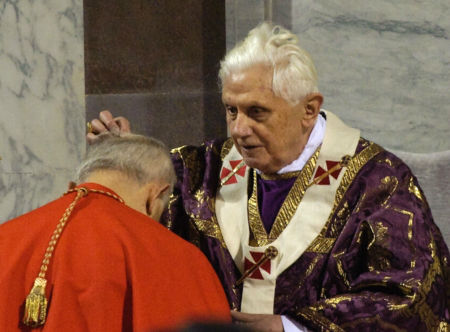 pope benedict xvi ash wednesday 2011. Pope Benedict XVI places ashes