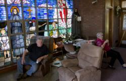 Judge orders vigilers to leave closed Scituate church