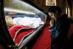 Relics of St. Maria Goretti venerated at cathedral