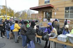 Catholic Charities, United Way distribute 6,500 Thanksgiving meals