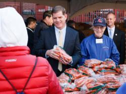 Mayor Walsh helps Charlestown parish distribute Thanksgiving meals