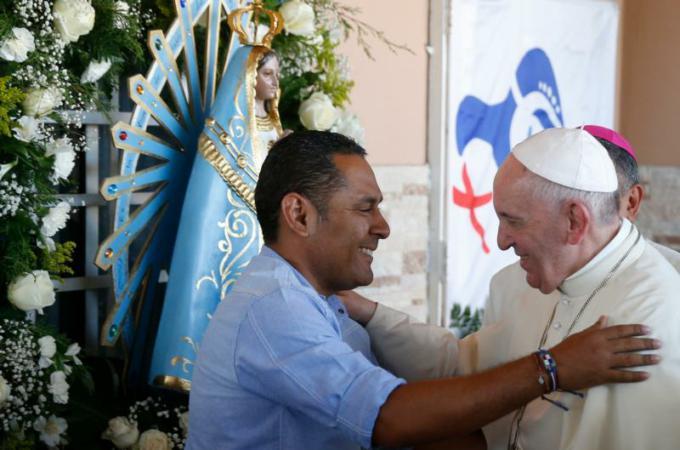 Pope calls for peace in Venezuela, denounces Philippine