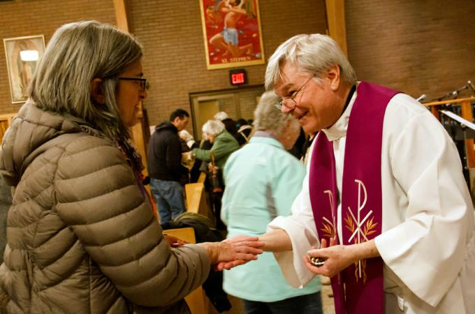 Healing priest leads Lenten mission at St  Stephen