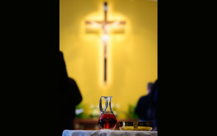 Communion chalice and health risks