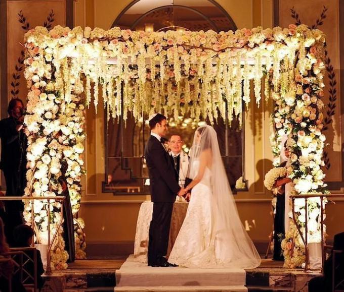 Echoes Catholic Jewish Wedding Published 12 21 2016 & Jewish Canopy For Wedding - Unique Wedding Ideas